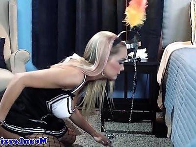 Lesbian frenchmaid Devon licking bosses box