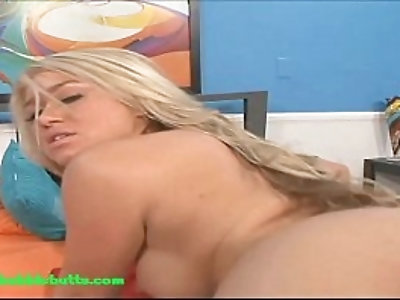 bubble butt big round ass blond gets her pussy fucked and cum on ass