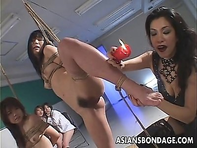 Smutty Japanese babes indulge in group action