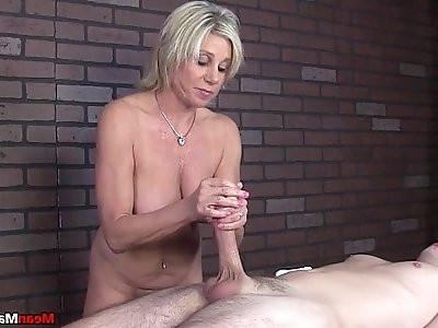 meanmassage Awesome Handjob