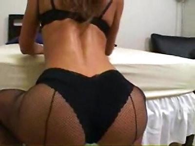 Latina Naomi