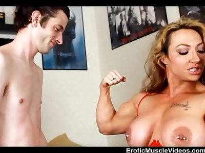 Eroticmusclevideos lift and carry femdom