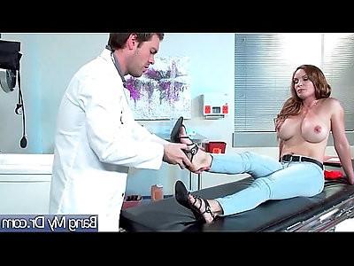 Hardcore Sex Act Between horny Doctor And Hot Slut Patient Diamond Foxxx
