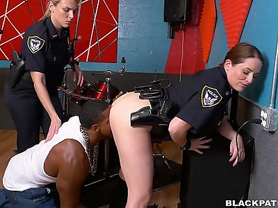 Making Black suspect eat her white pussy